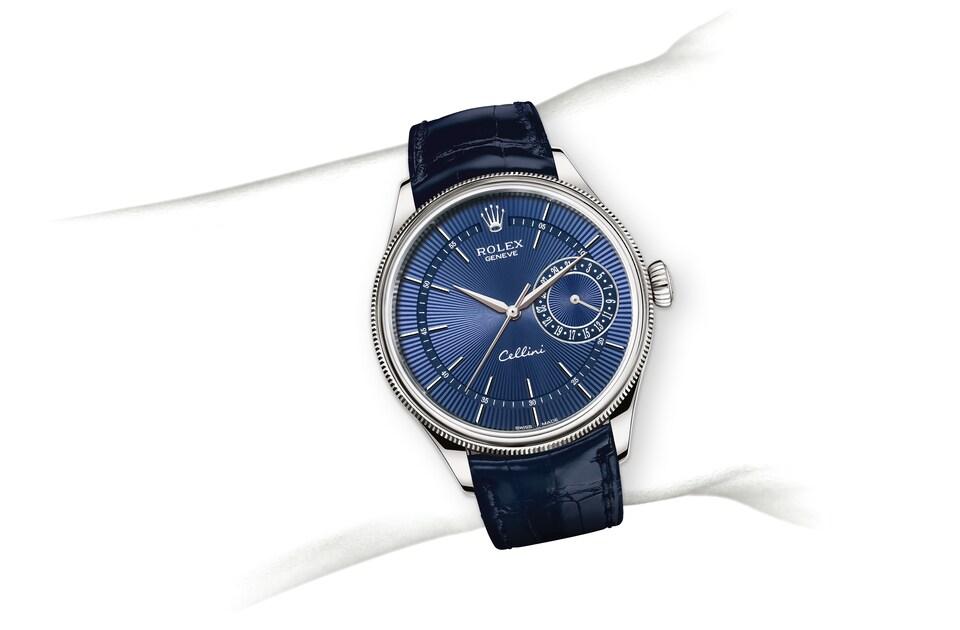 m50519 0011 modelpage on wrist landscape