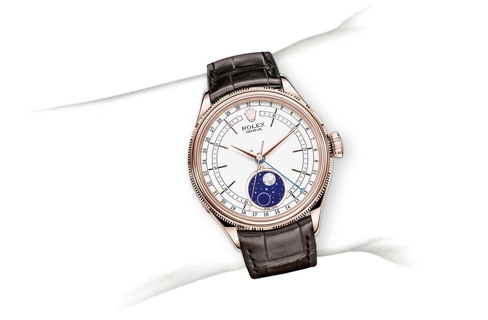 m50535 0002 modelpage on wrist landscape