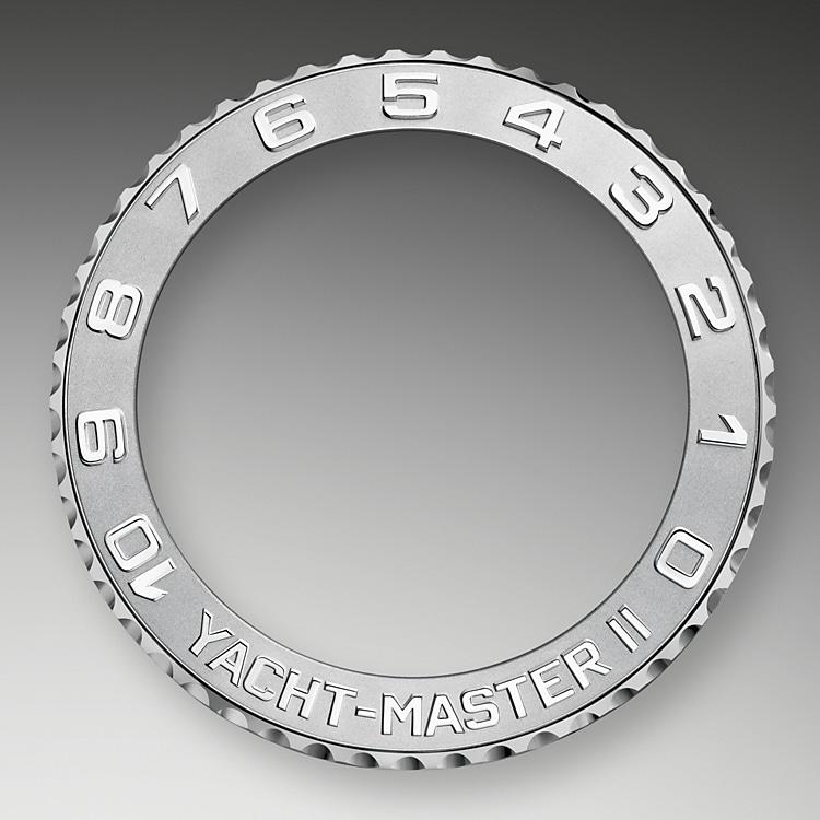 ring command bezel white gold and platinum 40332